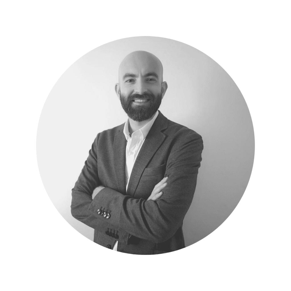 Rafael Mellado, contabilidad en CEMA Baterías